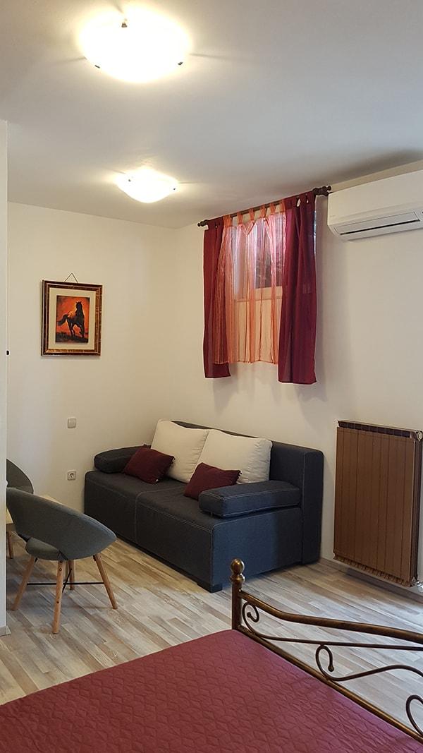 4. divanoletto nespola